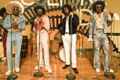 """Migos newly released """"Walk It Talk It"""" video takes us back to the 70's"""