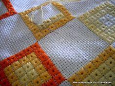 Muito lindo né!!! Que tal uma colcha assim???    http://www.docespontinhos.com