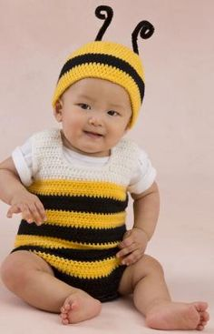 Little Baby Bee Playsuit & Hat Free Crochet Pattern from Red Heart Yarns