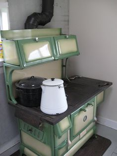 We are installing our wood burning stove very soon and I… - Wood Projects Antique Kitchen Stoves, Antique Stove, Old Kitchen, Vintage Kitchen, Kitchen Island, Outdoor Cooking Stove, Wood Stove Cooking, Alter Herd, Wood Burning Cook Stove