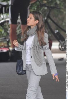 charlotte casiraghi the fashion spot Royal Fashion, Grey Fashion, Princess Charlotte Of Monaco, Preppy Style, My Style, Street Style Summer, Casual Chic, Beautiful Outfits, Clothes