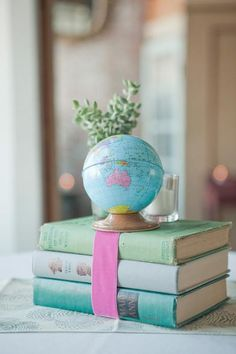 The globe is a bank, I have one just like it. Vintage Globe, Map Globe, Green Books, World Of Books, Travel Themes, Book Nooks, I Love Books, Vintage Travel, Vintage Books