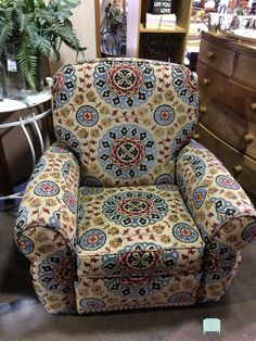 "This beautiful Lazyboy recliner would be an awesome accent chair for a bedroom, family room or game room. It is super comfortable and really chic! Dimensions are 39"" x 38"" x 34""."