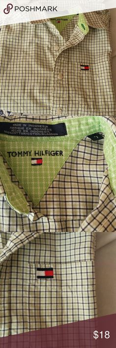 Short sleeved Tommy Hilfiger boy's shirt Short sleeved Oxford in pristine condition. Tommy Hilfiger Tops Button Down Shirts