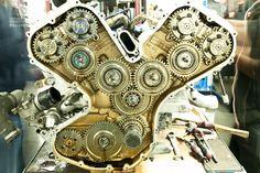 beautifullyengineered: Ferrari Enzo motor de árbol de levas y el sistema de accionamiento de la bomba de aceite
