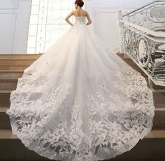 wedding dresses with a train tail - Pesquisa do Google