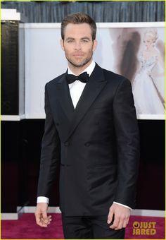 Chris Pine - Oscars 2013 Red Carpet