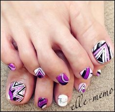 Toe nails art