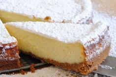 La cheesecake alla ricotta è una variante della torta tradizionale e può essere preparata sia al forno che senza cottura: ecco le due varianti!