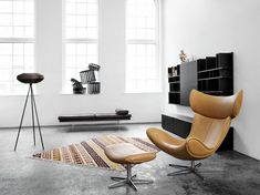 Another rockin' swivel chair - less than the Egg. :) Modern Imola Chair Furniture Design by BoConcept Danish Modern Furniture, Cool Furniture, Furniture Design, Boconcept, Loft Industrial, Industrial Design, Decor Pad, Modern Leather Sofa, Contemporary Sofa