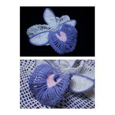 Orquídea, elaborada por encargo especial para adornar un sombrero. #crochet #ganchillo #tejidos #artesanía #hechoenvenezuela #islademargarita #talentovenezolano #orquídea #flornacionaldevenezuela #flor #adorno #hechoamano #handmade #handmadeflowers #coralindelmar #hazlotumismo #craftivism #liveslow #movimientoslow