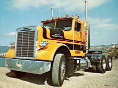 White Freightliner conventional