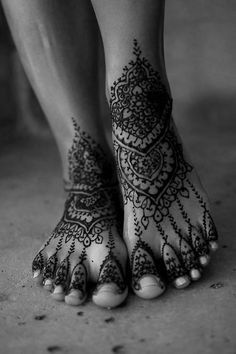 22 Best Henna Foot Tattoos For Girls Images Henna Tattoo Designs