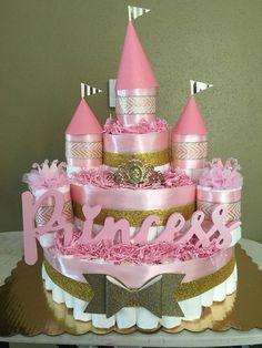 DIAPER CAKES FOR GIRLS Cute Baby Shower Ideas, Baby Shower Gift Basket, Baby Shower Diapers, Baby Shower Cakes, Baby Shower Gifts, Baby Gifts, Diaper Cakes Tutorial, Diaper Cake Instructions, Diy Diaper Cake
