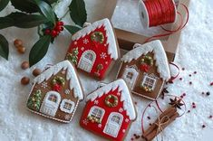 Holiday Recipes Christmas Desserts Gingerbread Cake Ideas For 2019 Christmas Sugar Cookies, Christmas Sweets, Noel Christmas, Holiday Cookies, Christmas Desserts, Snowman Cookies, Christmas Decorations, Christmas Gingerbread House, Gingerbread Cake