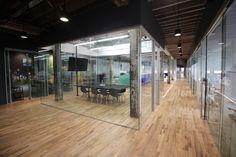 Galería de Coworkrs / Leeser Architecture - 7
