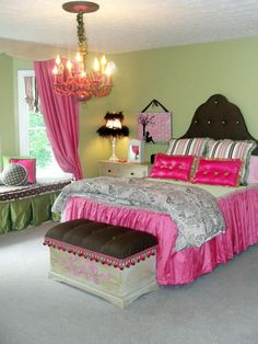 Super cute girl's room http://www.homahku.com/tween-bedroom-ideas-for-girls/attractive-teen-girls-bedroom-ideas-the-best-master-bedroom
