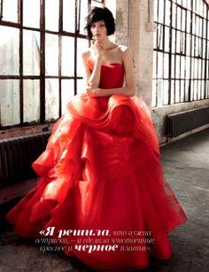 """Vera Wang Bridal"" | Model: Kirsi Pyrhonen, Photographer: Amy Troost, Vogue Russia, December 2012"