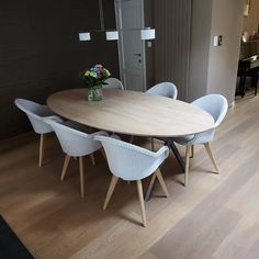 Henry's House (@henryshousemortsel) • Instagram-foto's en -video's Dining Table, House, Furniture, Instagram, Home Decor, Decoration Home, Home, Room Decor, Dinner Table