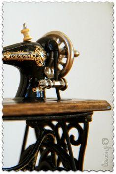 Miniatur Nähmaschine ... miniature sewing machine