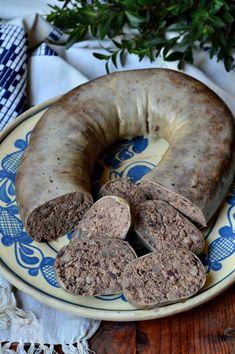 Toba de casa - CAIETUL CU RETETE Cookbook Recipes, My Recipes, Cooking Recipes, Charcuterie, Romania Food, My Favorite Food, Favorite Recipes, Hungarian Recipes, Sausage Recipes