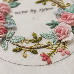 #pincushion #pretty #embroideryhoop #embroiderylicious #embroidery #embroiderydesign #howlovely #handembroidery #needlework #needleart #stitch #도안샘플작업 #핀쿠션만들기 #입체자수 #자수소품