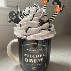 Halloween Mug, Halloween House, Halloween Crafts, Halloween 2020, Kid Crafts, Halloween Ideas, Happy Halloween, Diy Whipped Cream, Fake Cake