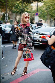 The Sartorialist / On the Street…Pattern Mixing, Paris // Street Style 2016, Street Style Looks, Street Chic, Street Fashion, Paris Fashion, Scott Schuman, Stylish Outfits, Fashion Outfits, Campaign Fashion