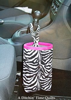 Tutorial for a car trash bag - this is genius and it looks so cute! #craft #sewing