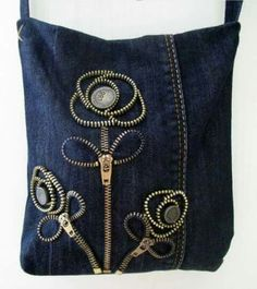 Denim Trousers to Denim Handbags Sacs Tote Bags, Denim Tote Bags, Denim Handbags, Denim Purse, Zipper Crafts, Denim Crafts, Diy Jeans, Jean Purses, Purses And Bags