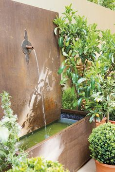 A fresh and bright Spanish cottage by Gabriela Conde Courtyard Landscaping, Small Courtyard Gardens, Small Courtyards, Outdoor Wall Fountains, Garden Fountains, Fountain Design, Water Spout, Patio Interior, Water Features In The Garden