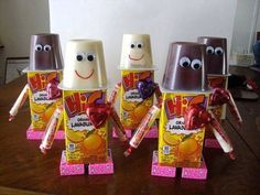 Valentine's Day Robot treat idea! Want to use this for my classroom.