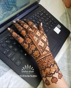 Mehndi Designs For Girls, Latest Mehndi Designs, Mehendi, Oven, Applique, Quilts, Beautiful, Quilt Sets, Ovens