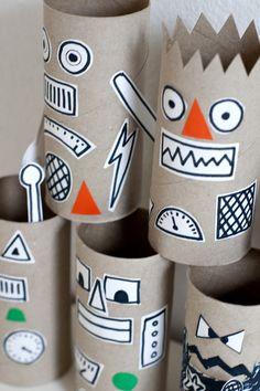 5 divertidas manualidades con rollos de papel Manualidades con rollos de papel, reciclamos y nos divertimos haciendo cochecitos, personajes, gafas y muchas más entretenidas manualidades con rollos de papel.