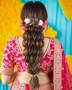 Bridal Hair Goals 2020 Stunner hair for all your pre-wedding festivities! Best Bridal Makeup, Wedding Day Makeup, Bridal Makeup Looks, Indian Bridal Makeup, Open Hairstyles, Indian Bridal Hairstyles, Elegant Hairstyles, Braided Hairstyles, Lehenga Hairstyles