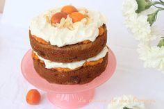 Sky high: gâteau multicouches à l'abricot, amande et chocolat blanc