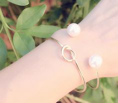 #montresmode, #bijouxfantaisiefemme, #bijoux, #streetsyle, #necklace, #watches Pearl Earrings, Hoop Earrings, Trendy Jewelry, Bangles, Jewels, Makeup, Accessories, Style, Boutique