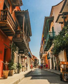 Street Photography, Travel Photography, Places To Travel, Places To Visit, Colombia South America, 17th Century Art, Luxor Egypt, Future City, Dominican Republic
