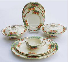 ALFRED MEAKIN. UPMINISTER dinner service 30s