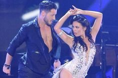 Love this photo of Janel and Val from last night@JanelParrish @iamValC pic.twitter.com/T7ZBxKzLP0