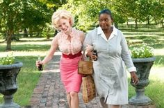 Celia Foote (Jessica Chastain), Minny Jackson (Octavia Spencer) ~ The Help ~ Movie Stills 2011 Movies, Old Movies, Jessica Chastain Husband, Dreamworks, Hijab Fashion Inspiration, Style Inspiration, Roman, Ella Enchanted, Octavia Spencer