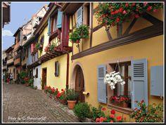 EGUISHEIM - La route des vins - L'Alsace - France--(by FranciscoGC)