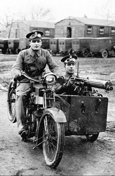 Classic Bikes, Wwi, World War, Motorcycles, Military, Motorbikes, Motorcycle, Military Man, Choppers