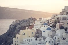 Not sure, where to stay in Santorini? Check these 10 stunning hotels and find the best place to stay in Santorini for your romantic getaway! Romantic Getaway, Romantic Travel, List Of Greek Islands, Greece Islands, Dana Villas, Santorini Hotels, Santorini Sunset, Santorini Island, Santorini Wedding