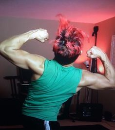 Muscles!! Markiplier << I WISH I HAD MUSCLES LIKE THAT. XD ~Riley