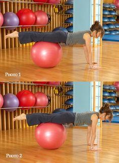 Mouvements : Niveau débutant - Swissball, la gym avec ballon pour galber son corps, retrouver son équlibre - 1 (Photo 1) : Inspirez. Transférez le poids du corps en arrière, en poussant sur vos bras. Le ballon roule vers les hanches. Les épaules s'éloignent des poignets. Les mains restent fixes...