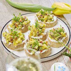 Bruschetta met mango-avocadosalsa en geitenkaas