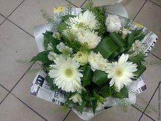 """Купить Букет """"Бело-зеленый"""" - белый, зеленый, букет из живых цветов, пион, гербера, крафт"""