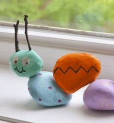 ❤ Kavics kukac festett kövekből ❤Mindy -  kreatív ötletek és dekorációk minden napra
