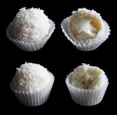 Raffaello golyók, ezzel a finomsággal te sem tudsz majd betelni! Candy Recipes, Whole Food Recipes, In Defense Of Food, Vietnamese Street Food, Coconut Candy, Homemade Sweets, Food Lab, Pub Food, Quick Easy Meals